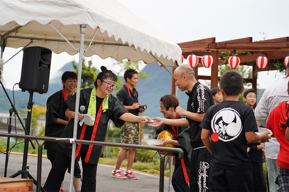 イベントステージかき氷早食い男性4撮影