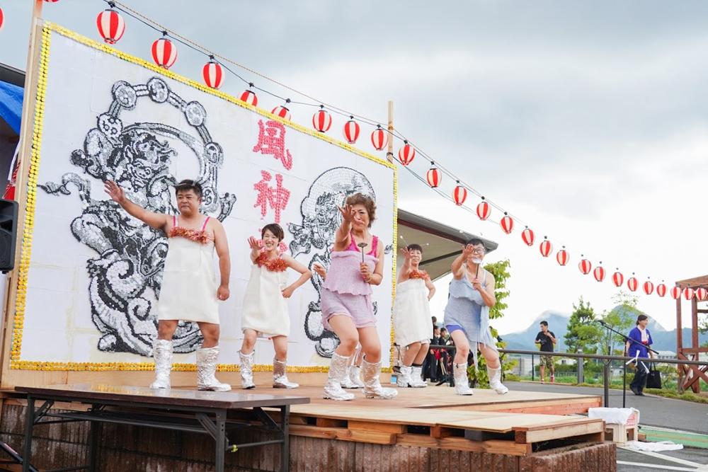 イベントステージスタッフのピンクレディ撮影3